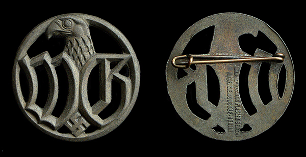 Brooch for female employees attached to the Wehrmacht